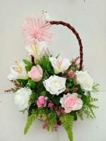 กระเช้าดอกไม้ประดิษฐ์กุหลาบชมพูขาว-ลิลลี่ขาว รหัส 4107