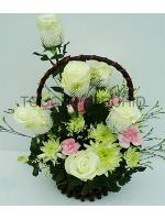 กระเช้าดอกไม้กุหลาบขาว