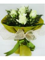 ช่อดอกกุหลาบขาว 5 ดอก