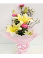 ช่อดอกไม้ลิลลี่เหลือง-คาร์เนชั่น