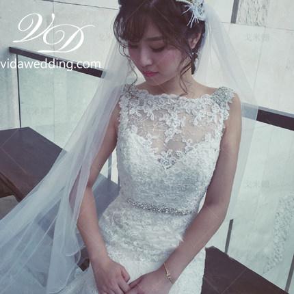ชุดแต่งงาน แขนกุด หางยาว
