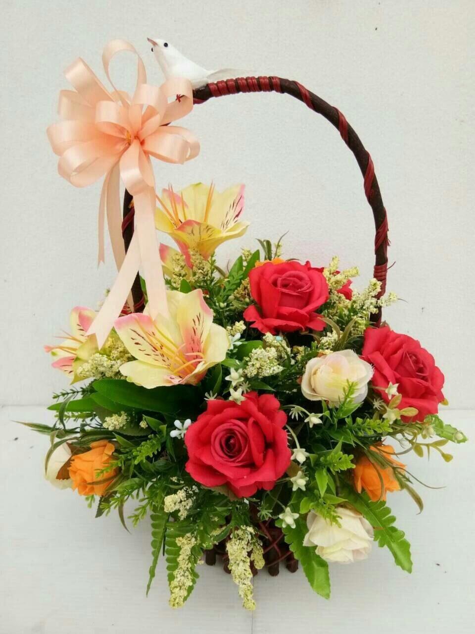 กระเช้าดอกไม้ประดิษฐ์เล็ก รหัส 2074