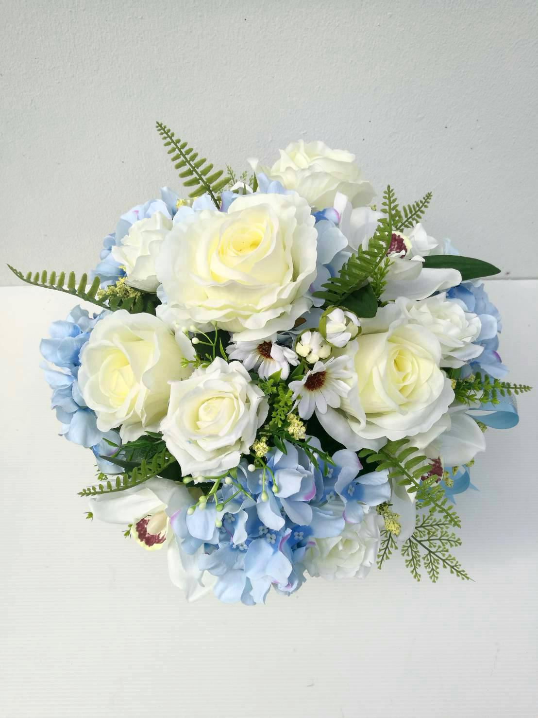 แจกันดอกไม้ประดิษฐ์ทรงกลมโทนฟ้า-ขาว รหัส 4009