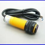 โฟโต้อิเล็กทริคเซนเซอร์ โฟโต้สวิตซ์เซนเซอร์ปรับระยะตรวจจับได้ แรงดัน 6-36Vdc Photoelectric switch sensor E3F-DS30P2 diameter 18mm distance 30cm