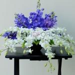 แจกันดอกไม้ Blue Light