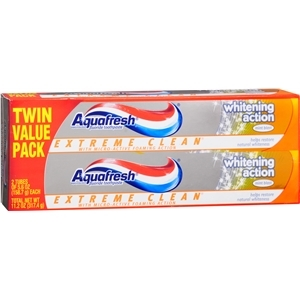 Aquafresh Extreme Clean Whitening Action 5.6 oz. จากอเมริกาค่ะ***no box***