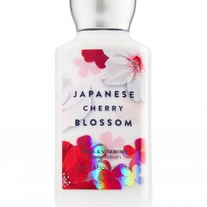 Bath & Body Works SHEA & VITAMIN E body lotion japanese cherry blossom 8 oz.(236 ml.)บำรุงผิวให้นุ่มมม หอมมม นาน 16 ช.ม.ดีมากๆจากอเมริกาค่ะ