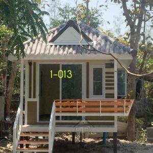 1-013 บ้านน็อคดาวน์ ทรงปั้นหยา