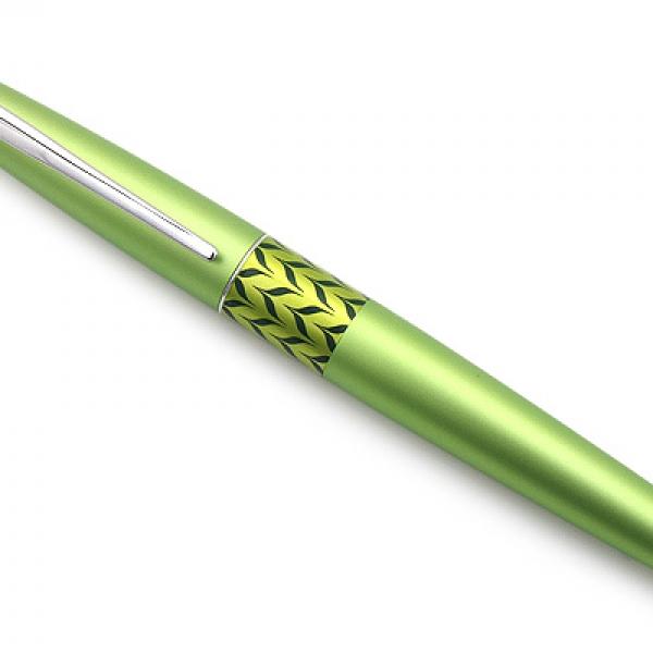 รูปภาพสินค้า [ส่งฟรี] ปากกาหมึกซึม Pilot Metropolitan ขนาด M แถมที่สูบหมึกแบบถุงบีบในตัว